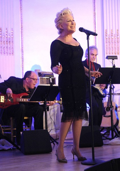 Bette Midler performs