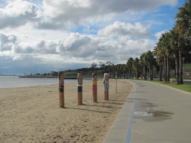 Geelong bollards (3)